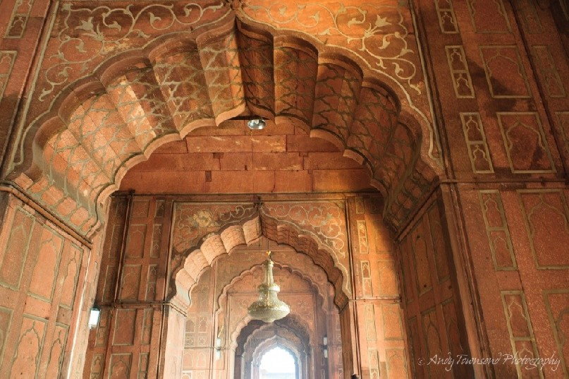 The internal red standstone walls of Jama Masjid.